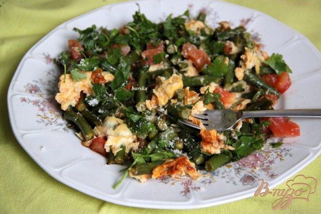 фото рецепта: Омлет с зелёной фасолью и томатами