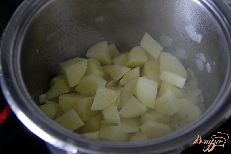 Фото приготовление рецепта: Суп-велюте из цветной капусты шаг №3