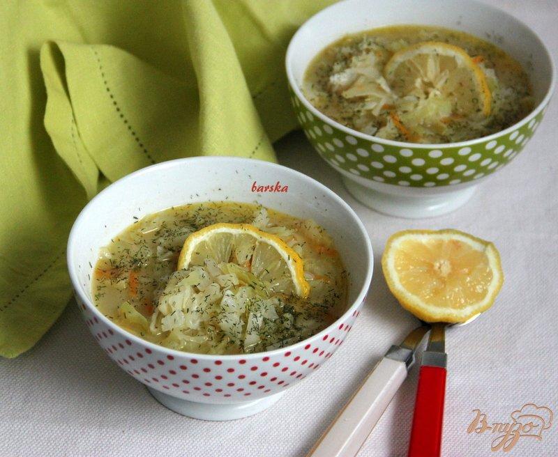 Фото приготовление рецепта: Луковый суп с капустой шаг №6