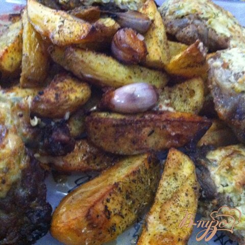 Картофель, запеченный с провавнскими травами и чесноком