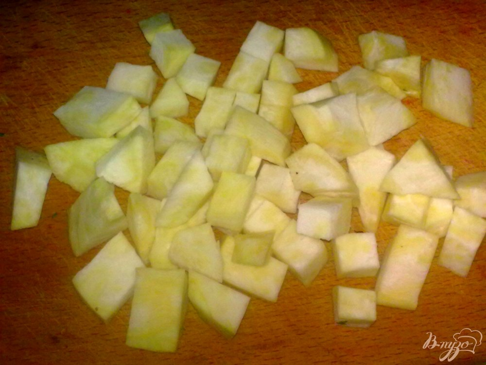 Фото приготовление рецепта: Борщ с сельдереем шаг №3