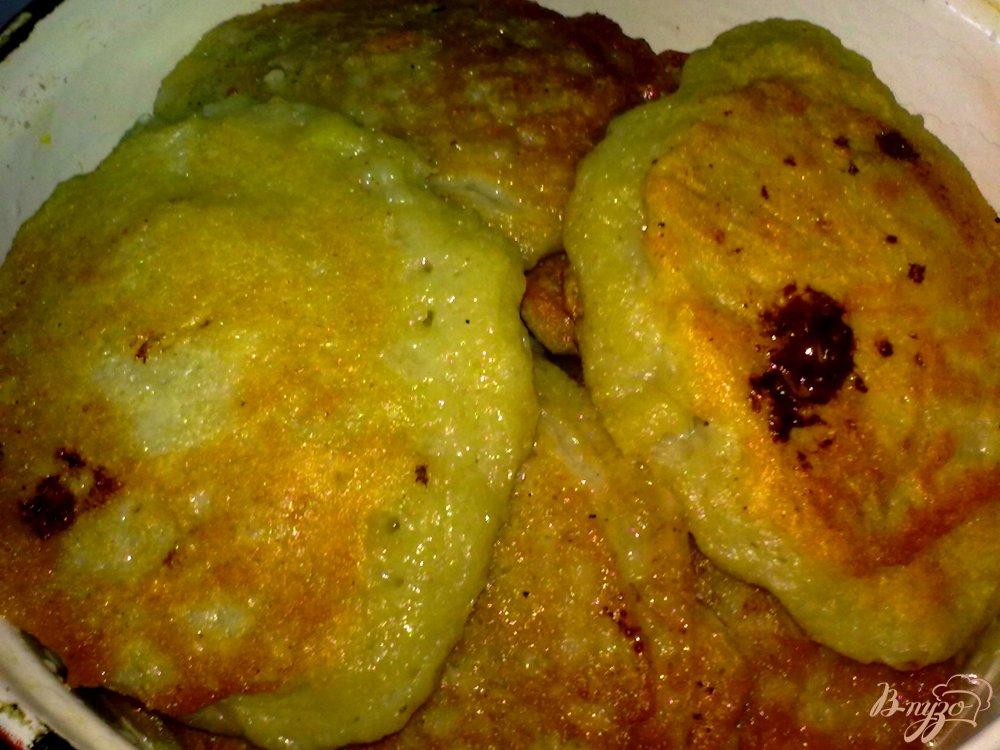 Фото приготовление рецепта: Драники с мясом шаг №9