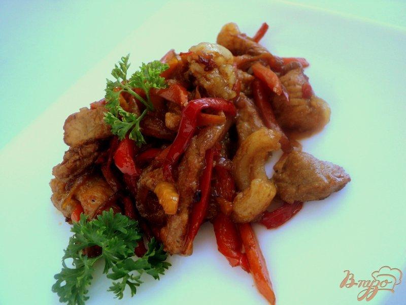 Фото приготовление рецепта: Свинина с овощами по-китайски шаг №7