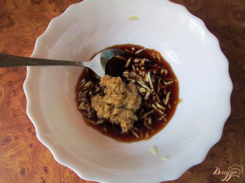 Фото приготовление рецепта: Куриная голень под соусом шаг №2