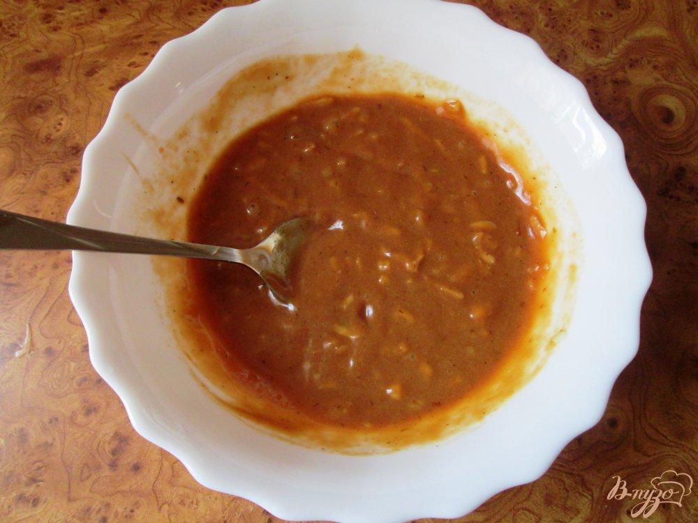 Фото приготовление рецепта: Куриная голень под соусом шаг №4
