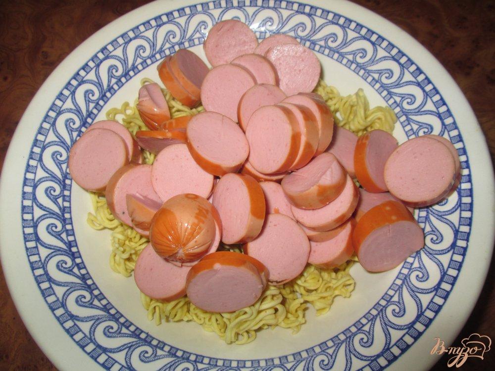Фото приготовление рецепта: Быстрый суп с сосисками шаг №4