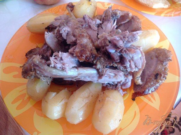 Утка во фруктовом маринаде с картофелем