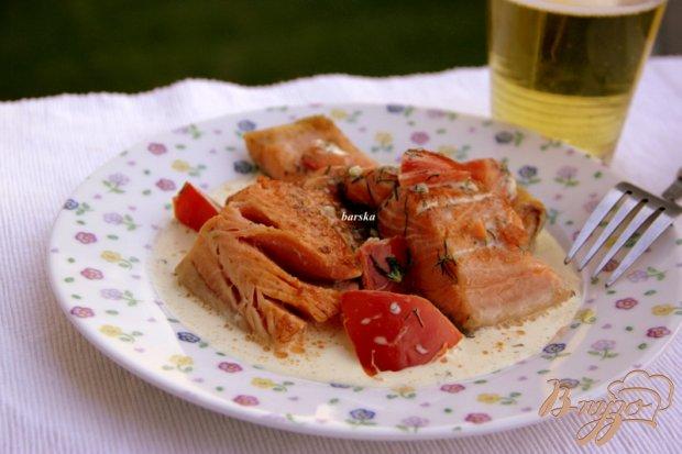 Лосось  в сливочном соусе с томатами
