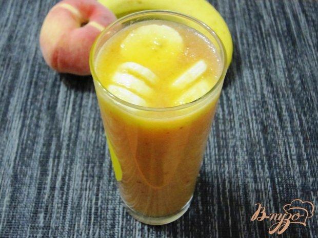 Персиково-банановый смузи