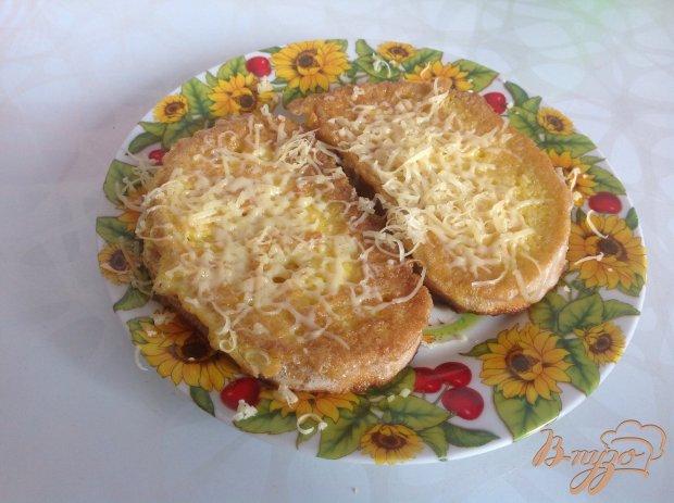 Гренки с яйцом и сыром