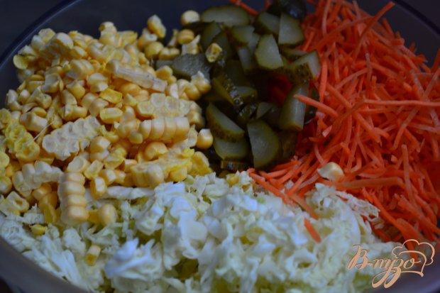 Капустный салат с маринованным огурчиком