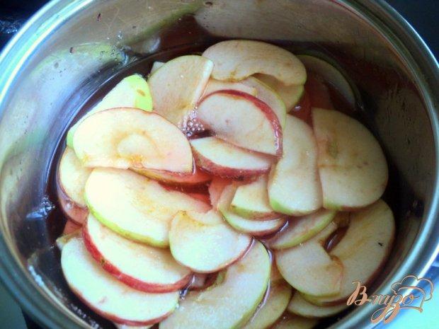 Яблочный пляцок