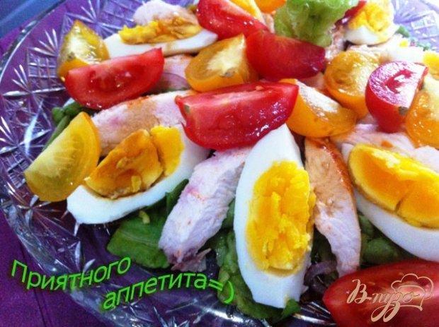 Салат с овощами и пастромой