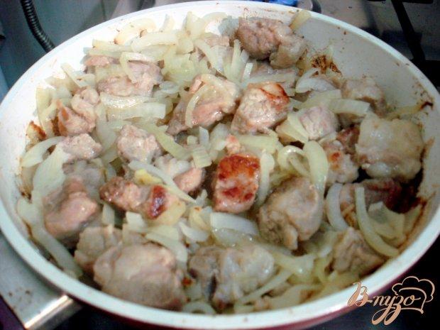 Капуста тушёная со свининой в соусе