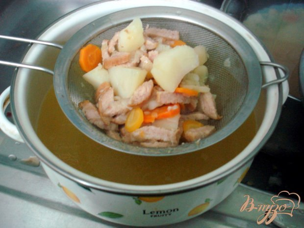 Гороховый суп пюре с копчёной колбасой