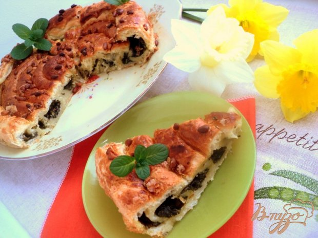 Пирог с начинкой из щавеля