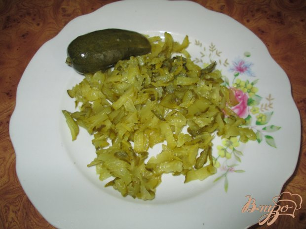Жареная капуста по-баварски с солеными огурчиками