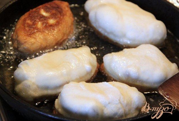 Быстрые  жареные пирожки с мясом