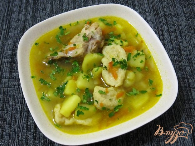 фото рецепта: Суп с галушками и куриными крылышками