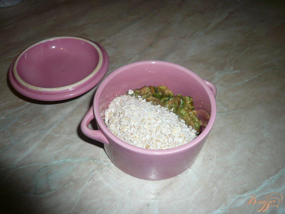 Фото приготовление рецепта: Йогуртовый завтрак с фейхоа и овсяными хлопьями шаг №5