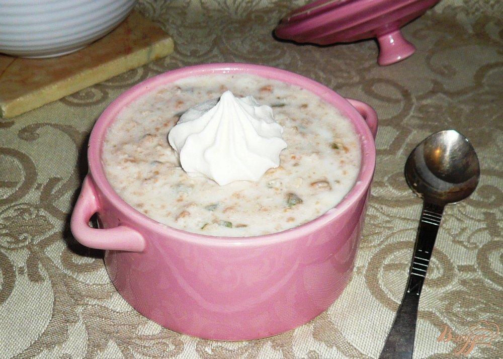 Фото приготовление рецепта: Йогуртовый завтрак с фейхоа и овсяными хлопьями шаг №7