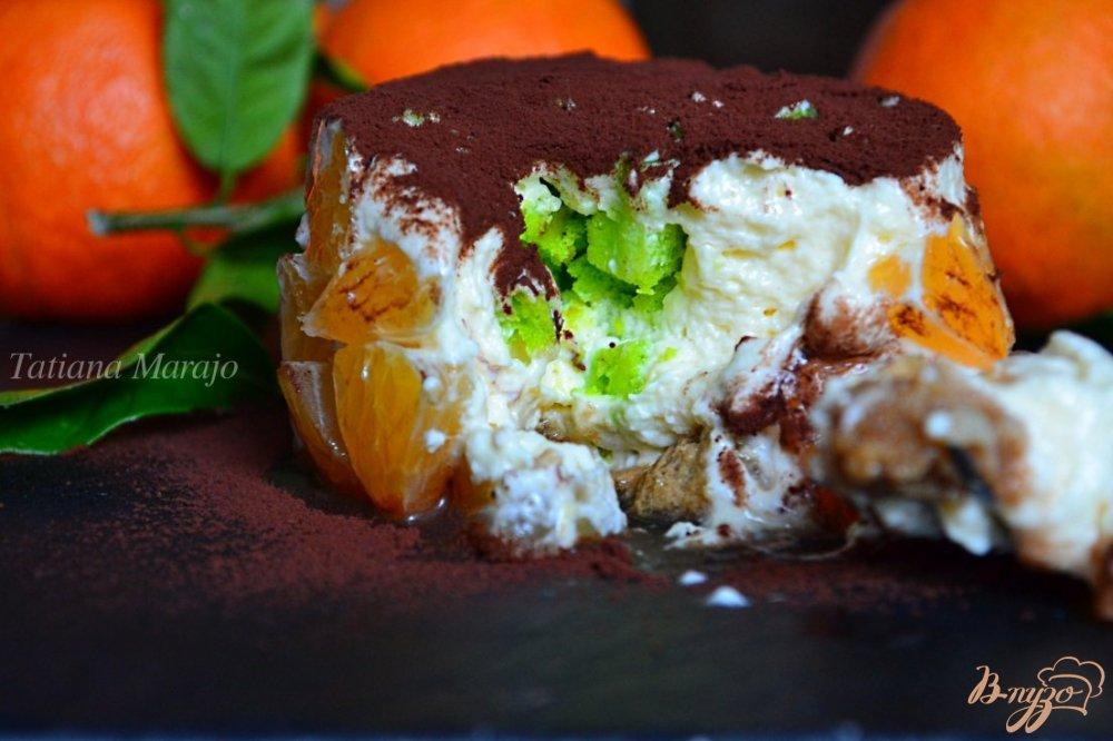 Фото приготовление рецепта: Тирамису с кусочками мандарина шаг №13