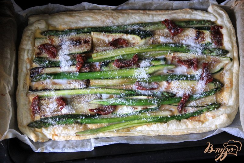 Фото приготовление рецепта: Флан с зеленой спаржой и цуккини шаг №9