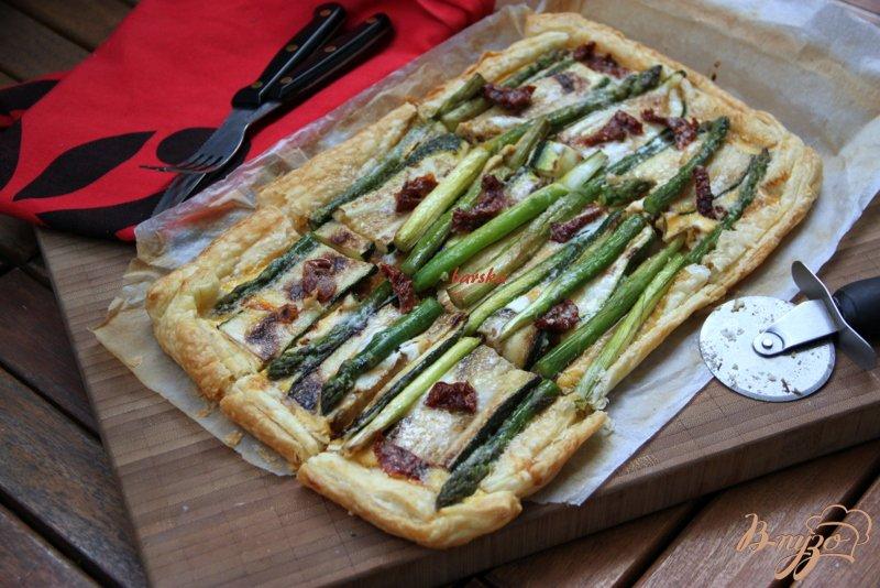 Фото приготовление рецепта: Флан с зеленой спаржой и цуккини шаг №11