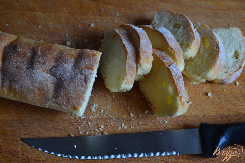 Фото приготовление рецепта: Чесночные крутоны шаг №5
