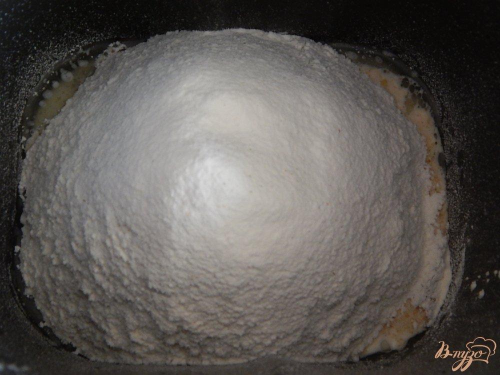 Фото приготовление рецепта: Пшенично-ржаной хлеб в хлебопечке шаг №2