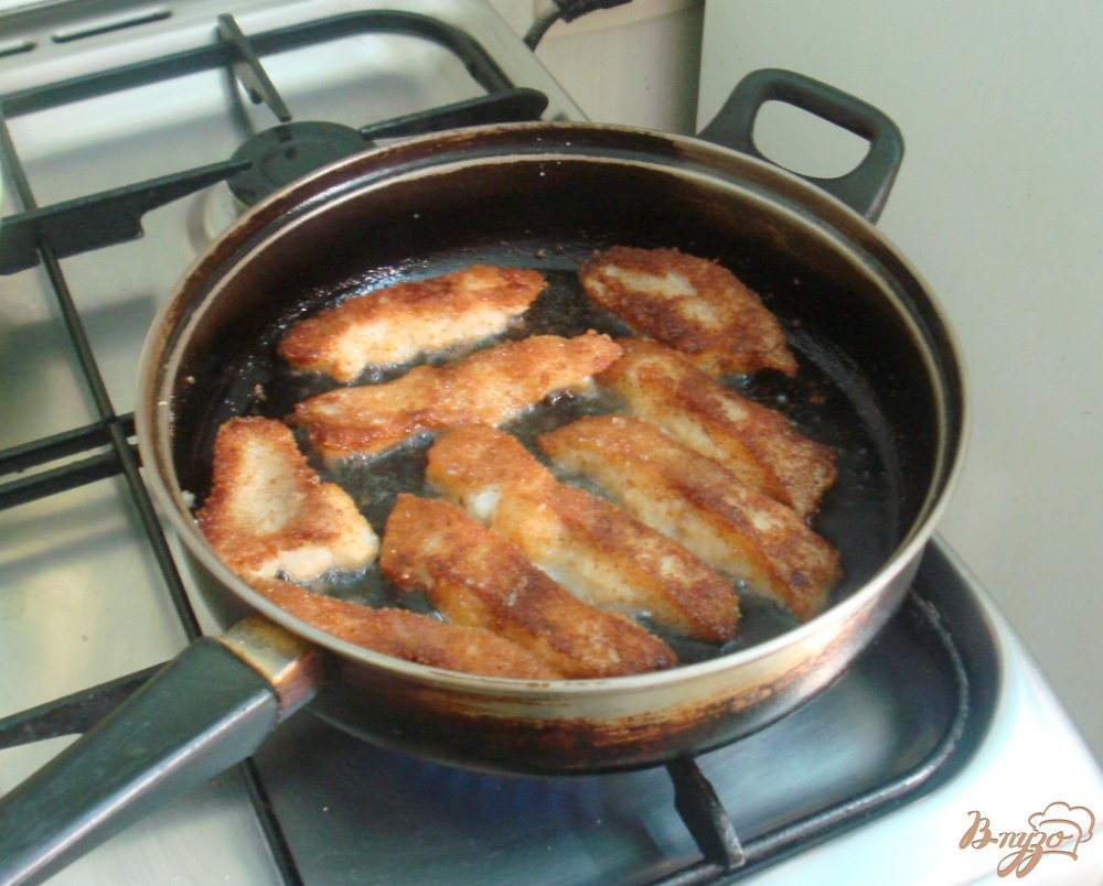 Фото приготовление рецепта: Палочки из пангасиуса шаг №5