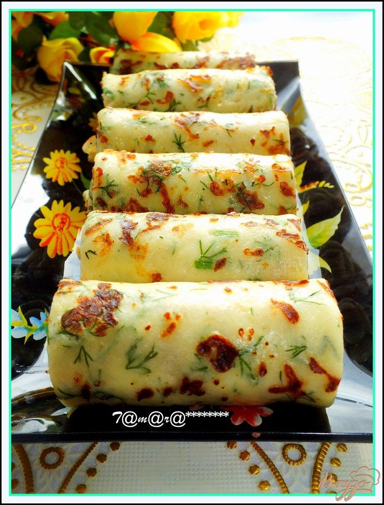 Фото приготовление рецепта: Сырные блины с зеленью шаг №7