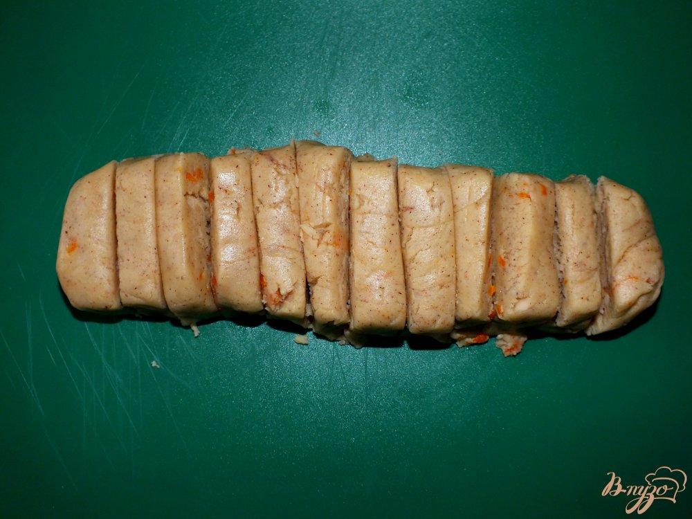 Фото приготовление рецепта: Апельсиново-ореховые палочки с шоколадом шаг №4