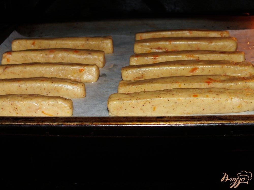 Фото приготовление рецепта: Апельсиново-ореховые палочки с шоколадом шаг №6