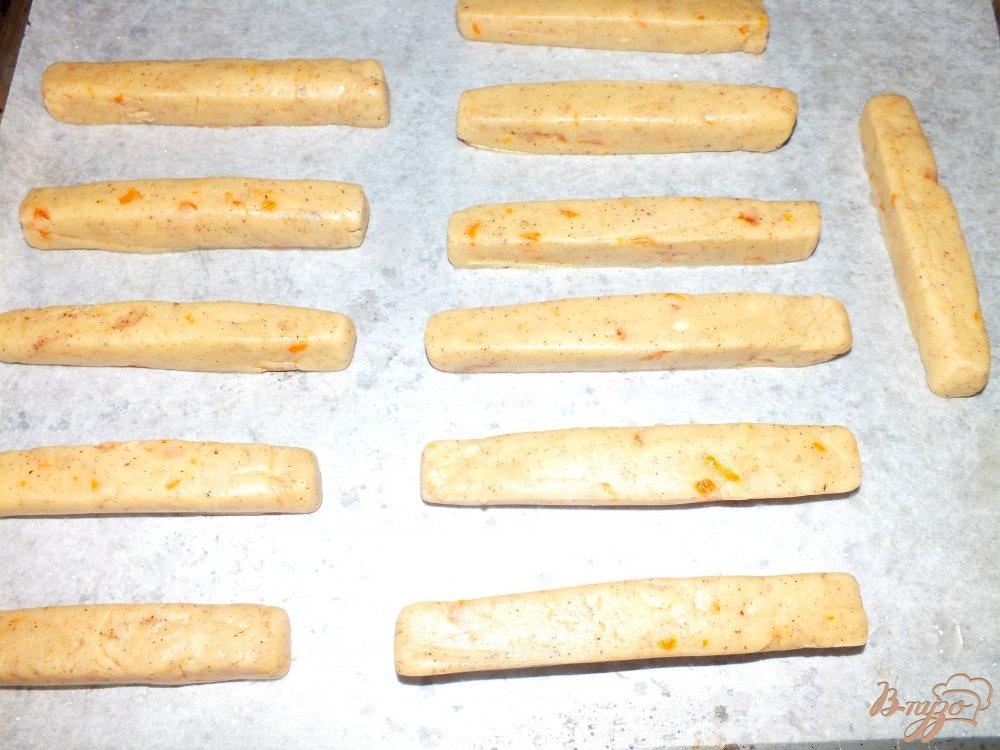 Фото приготовление рецепта: Апельсиново-ореховые палочки с шоколадом шаг №5
