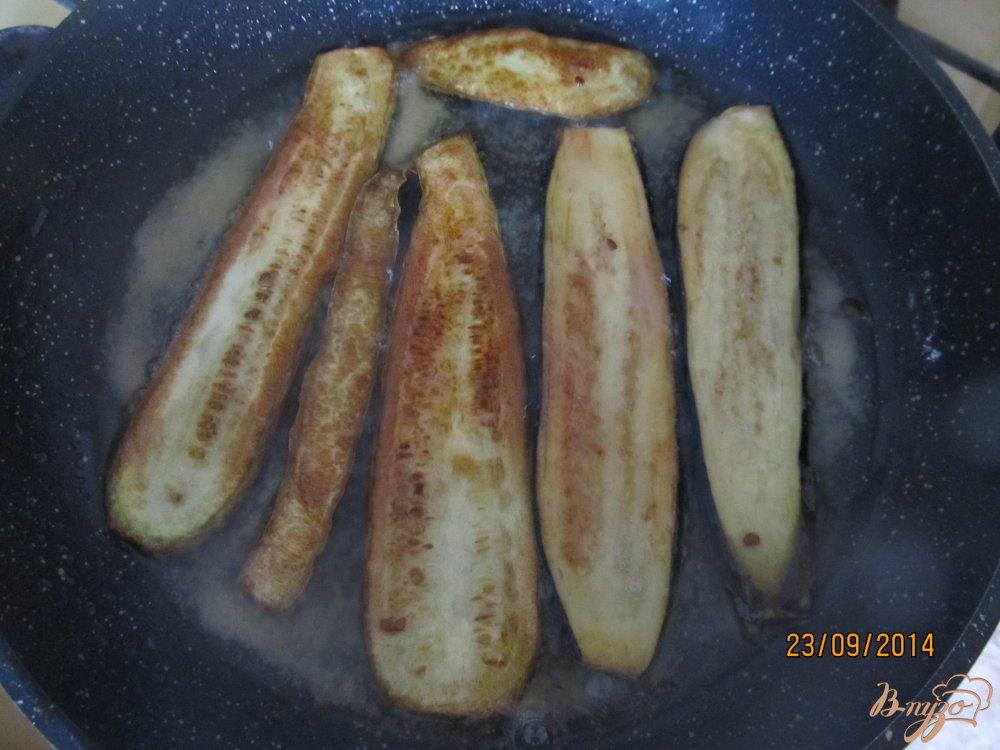 Фото приготовление рецепта: Кабачковые рулетики с сыром шаг №4