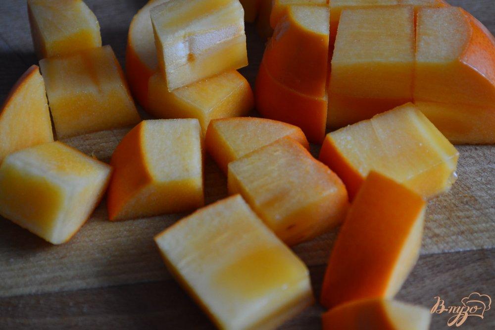 Фото приготовление рецепта: Камамбер фондю с медом и орешками шаг №4