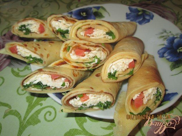 фото рецепта: Блины с семгой и плавленым сыром