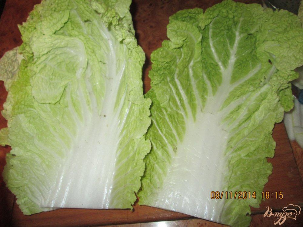 Фото приготовление рецепта: Голубцы из пекинской капусты шаг №2