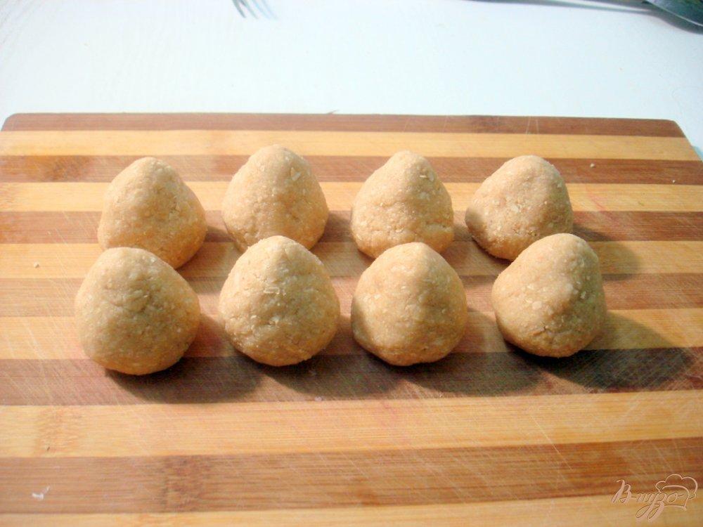 Фото приготовление рецепта: Клубника из вафель шаг №4