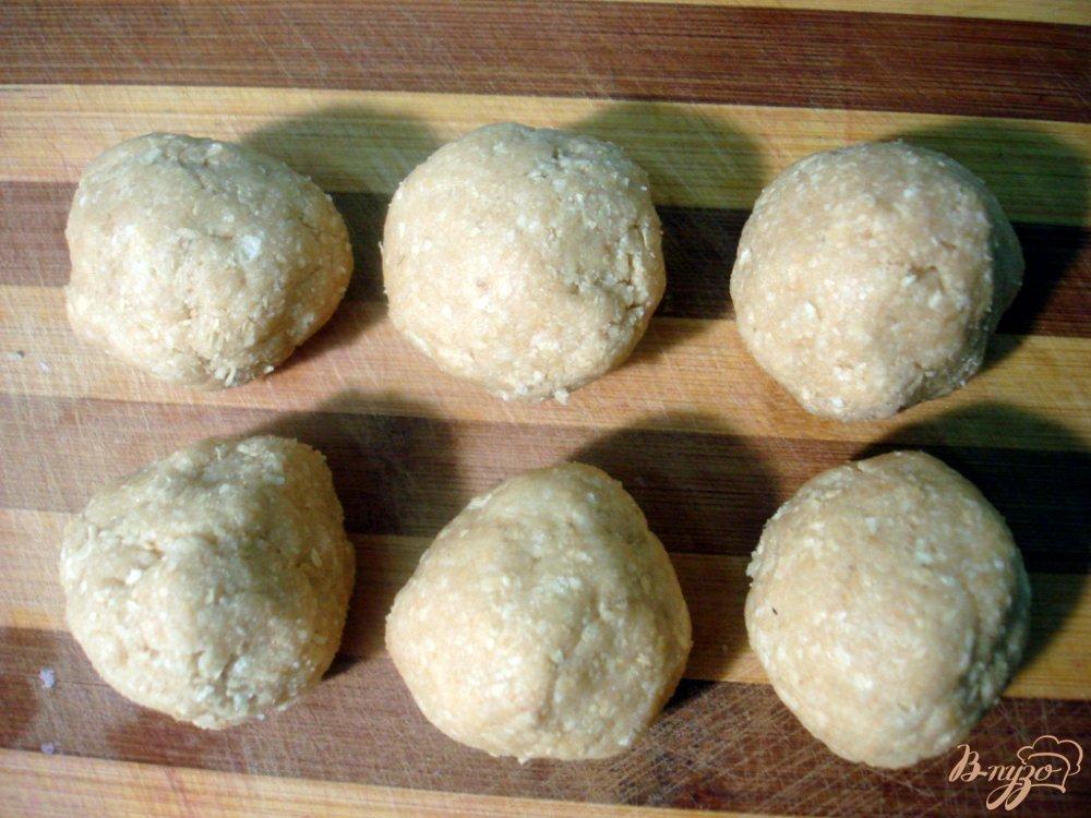 Фото приготовление рецепта: Клубника из вафель шаг №3