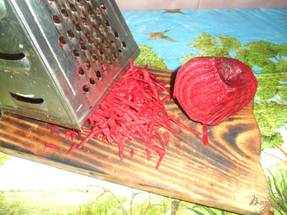 Фото приготовление рецепта: Украинский борщ с свиной ножкой и фасолью шаг №2