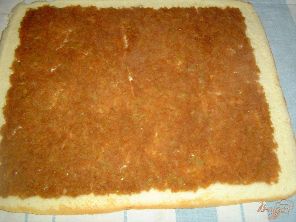 Фото приготовление рецепта: Яблочный рулет шаг №6