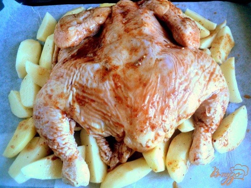 Фото приготовление рецепта: Курица, запеченная с соусом ткемали шаг №2