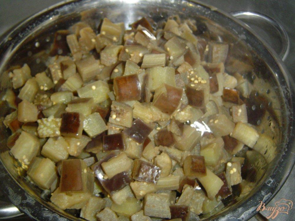 Фото приготовление рецепта: Баклажаны с чесноком и горьким перцем шаг №3