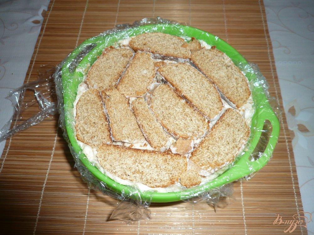 Фото приготовление рецепта: Тортик без выпечки из пряников и зефира шаг №8