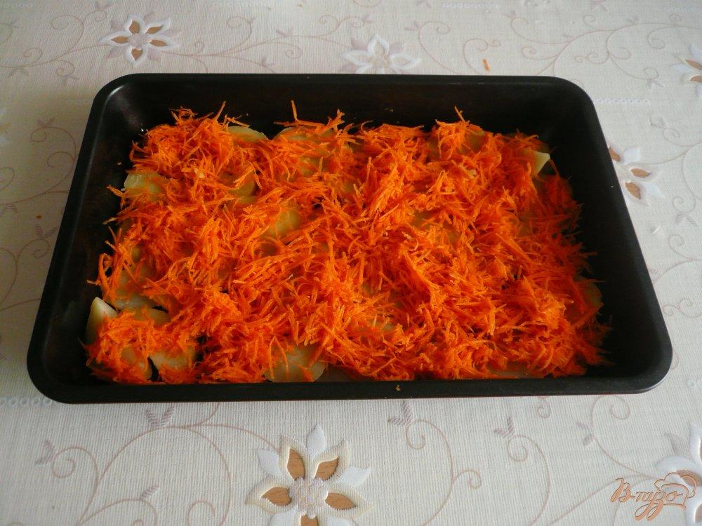 Фото приготовление рецепта: Картофельная запеканка с грибами шаг №5