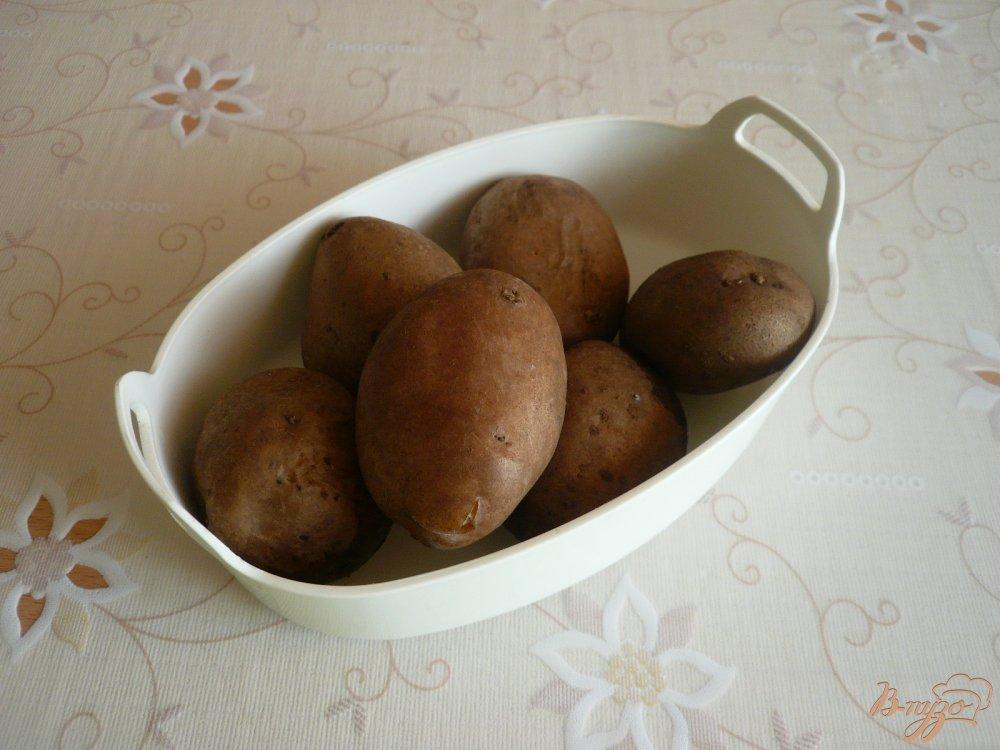 Фото приготовление рецепта: Картофельная запеканка с грибами шаг №1