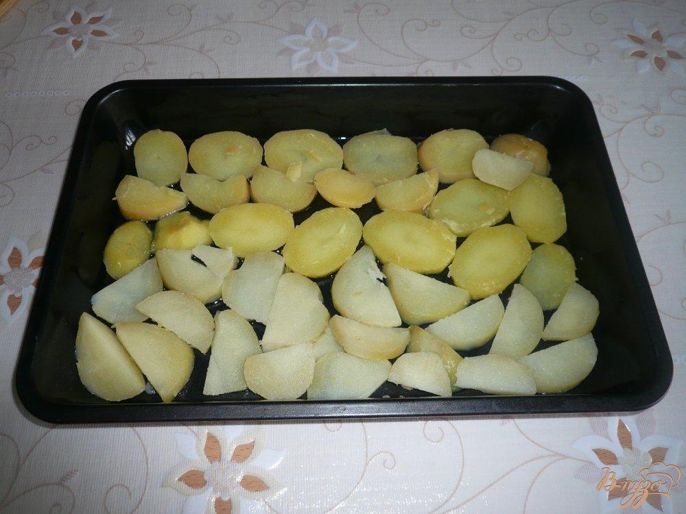 Фото приготовление рецепта: Картофельная запеканка с грибами шаг №4