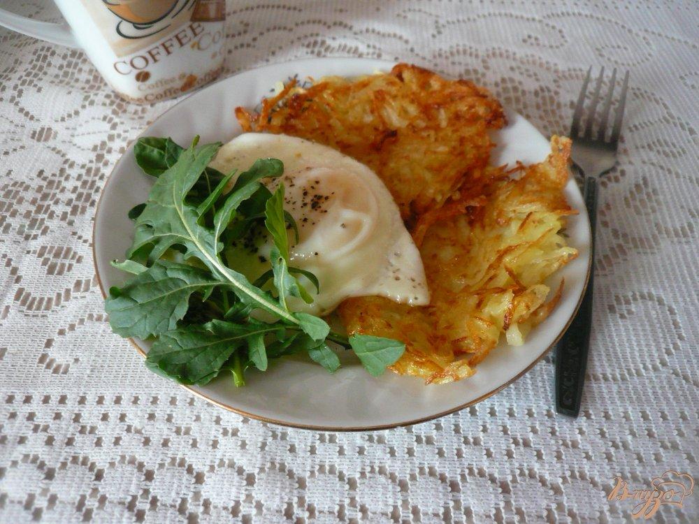 Фото приготовление рецепта: Сытный завтрак для двоих шаг №6
